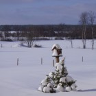 snowy-birdhouse